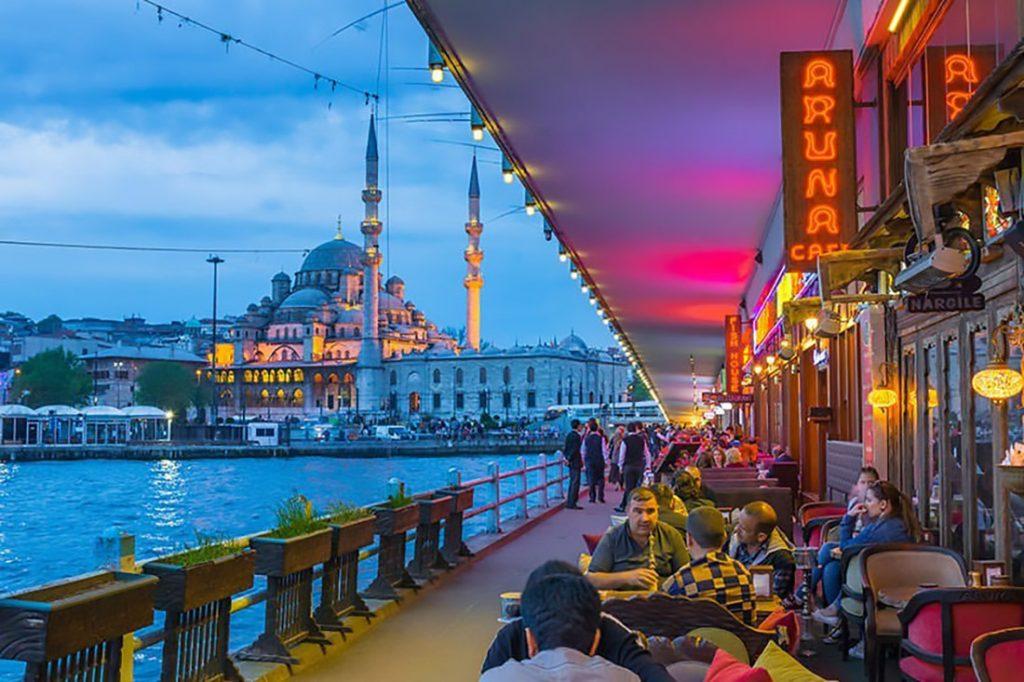 ایرانیان به تور های استانبول بیش از سایر تور ها علاقه دارند؟2 1024x682 - چرا ایرانیان به تور های استانبول بیش از سایر تور ها علاقه دارند؟